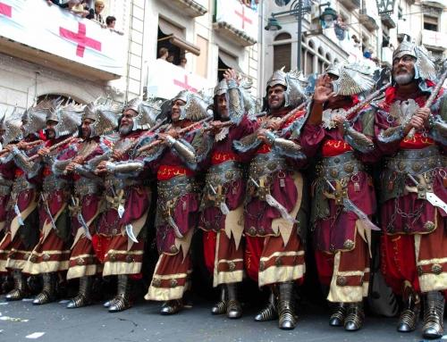 Fiestas de Moros y cristianos, Alcoy. ABRIL